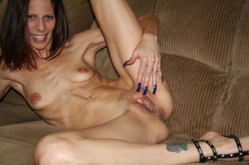 Skinny amatuer mature women nude