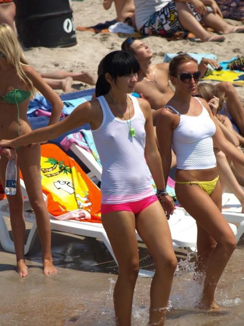 Two-Girls-Nipples-Through-White-Shirts.jpg