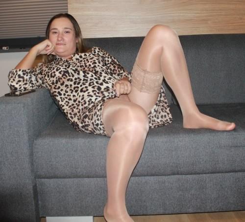 amateur-housewife-from-poland-joannaderus-masturbating-more-927.jpg
