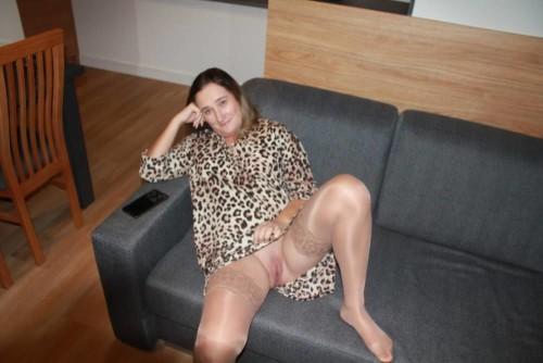 amateur-housewife-from-poland-joannaderus-masturbating-more-933.jpg